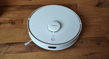 360 S7 Hands-On Review: The Smartest Robot Vacuum Under $500