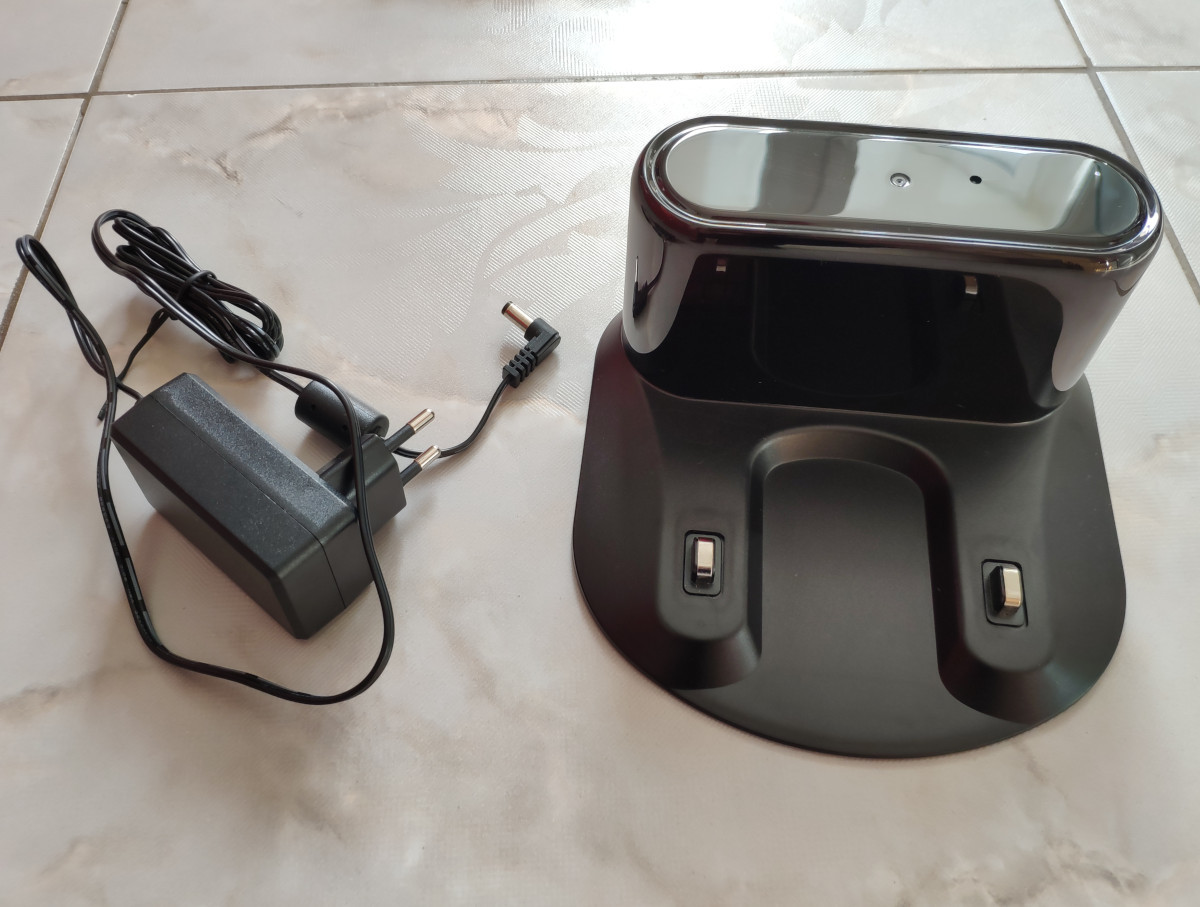 Zigma Spark charging dock with the power adapter