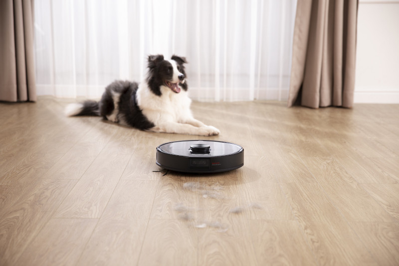 Roborock S6 MaxV is a good choice for pet owners