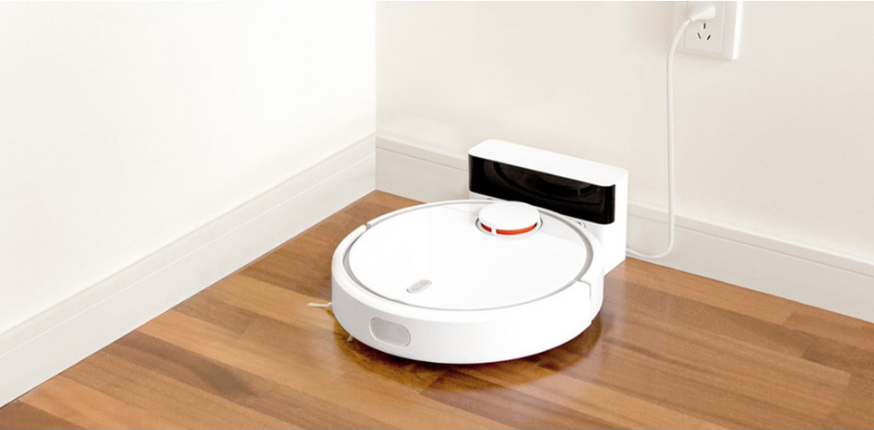 Xiaomi Mi Robot Vacuum parking on the base