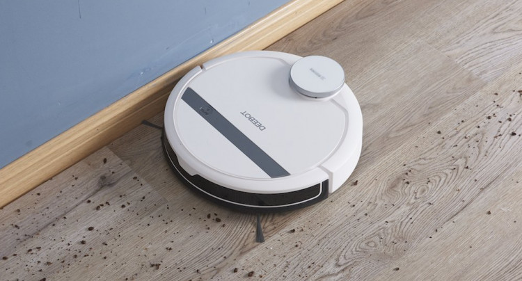 ECOVACS DEEBOT 900/901 one of the cheapest robot vacuum cleaners with mapping that supports Amazon Alexa and Google Home