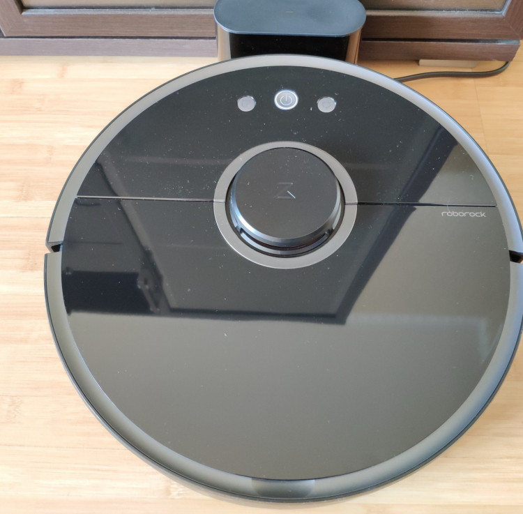 Roborock S5 Review: an Intelligent and Powerful Robot Vacuum Cleaner