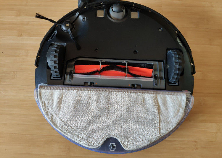 Roborock - attached mopping pad