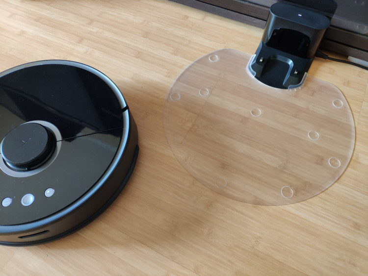 Roborock S55 and a charging dock